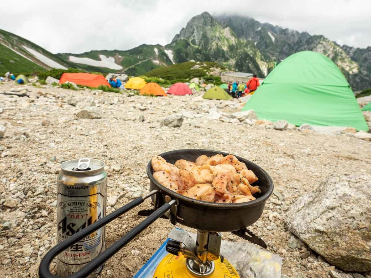剣沢で食べるビールとお肉