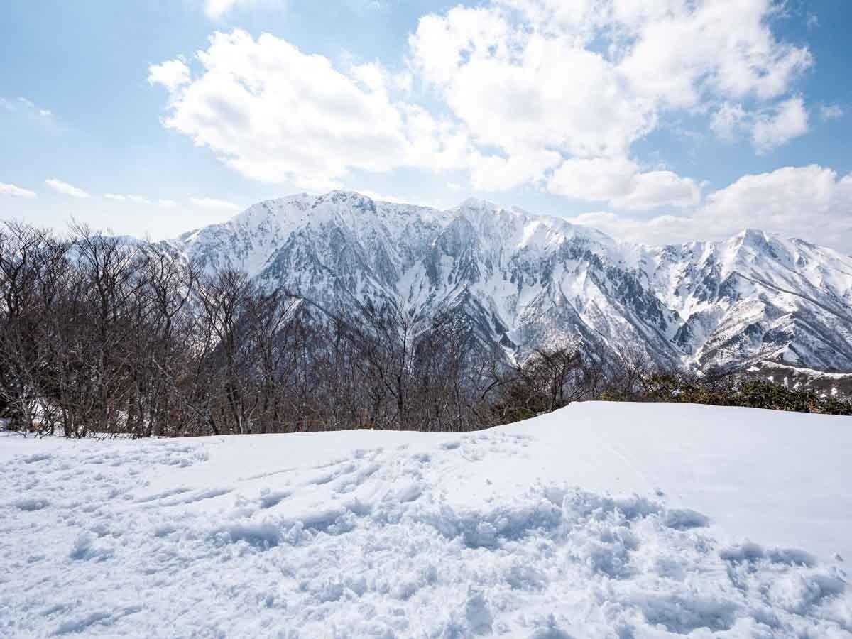 白毛門から見た谷川岳