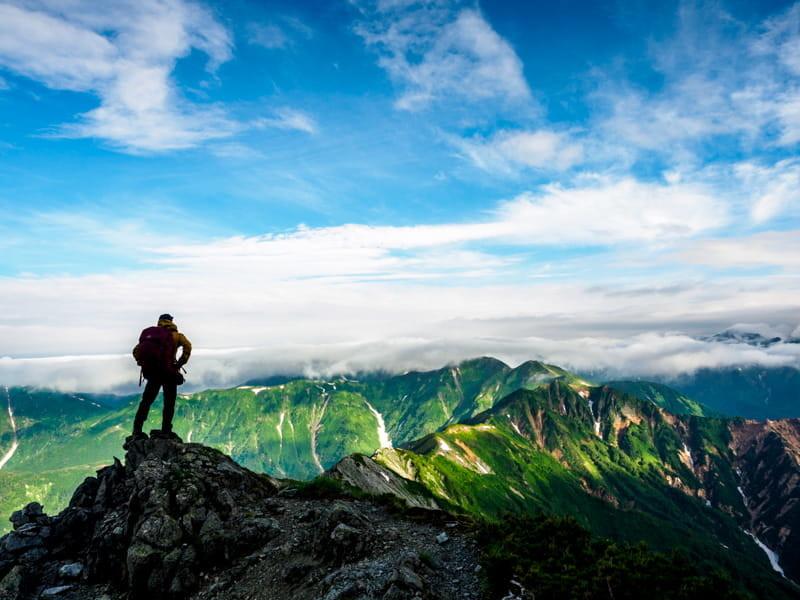 山から他の山を見る