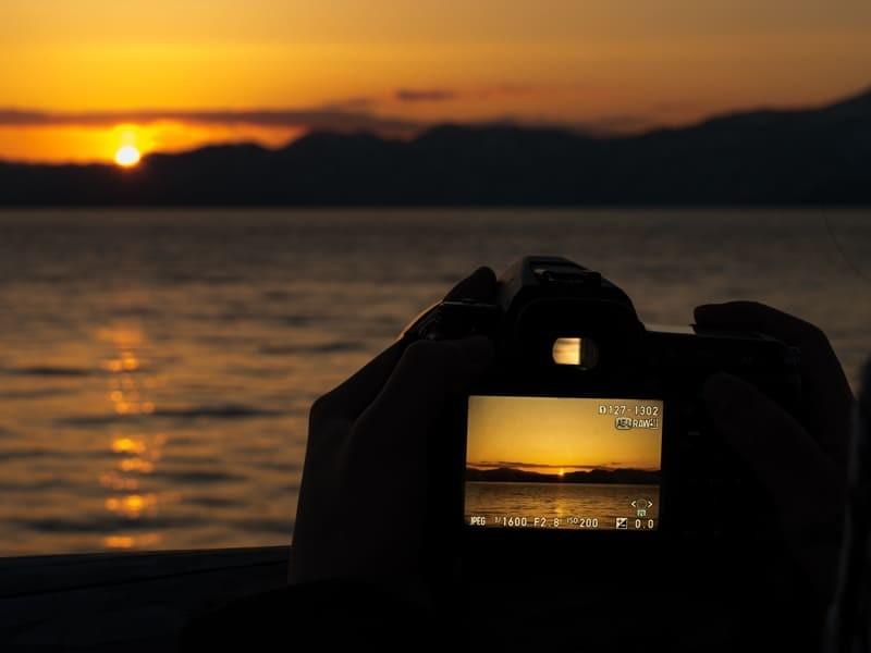 夕陽を一眼レフで撮影する