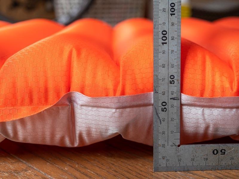 JRGEARのエアマット 8.9cmの厚さ
