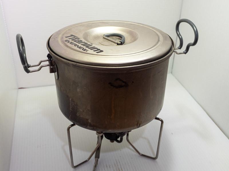 SOTO ストームブレイカー 五徳に鍋を載せる