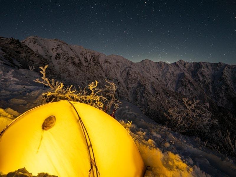 ひかるテントと星空