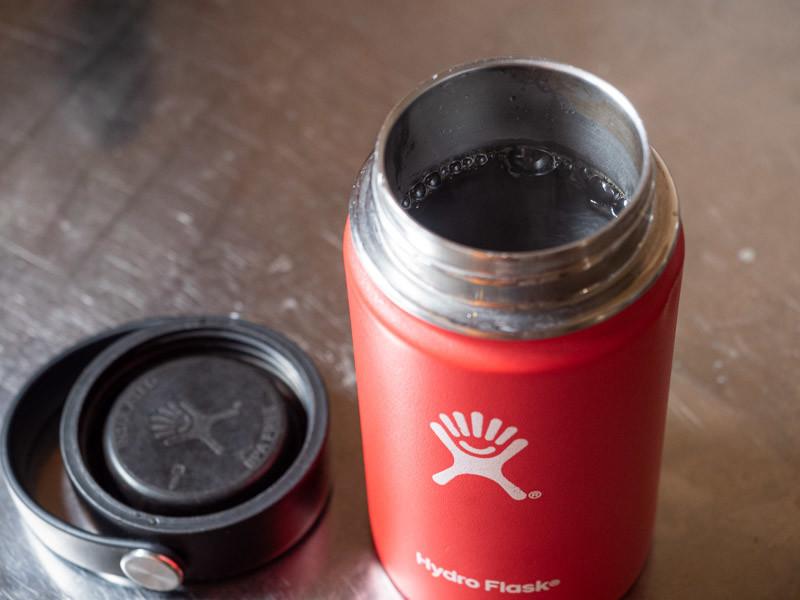 ハイドロフラスクにコーヒーを入れる
