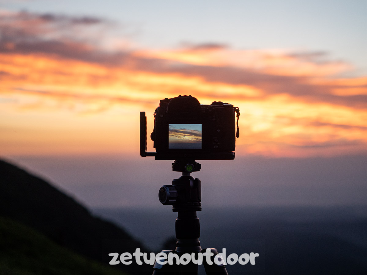 カメラと三脚