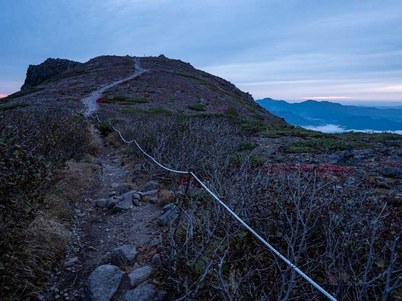 日の出前の黒岳