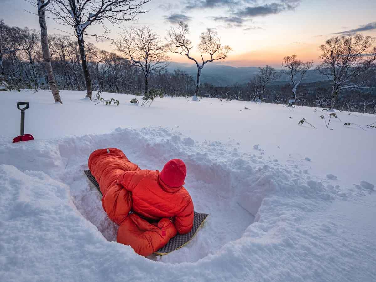 雪上で寝袋