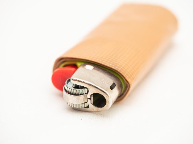 bic ライター ガムテープ