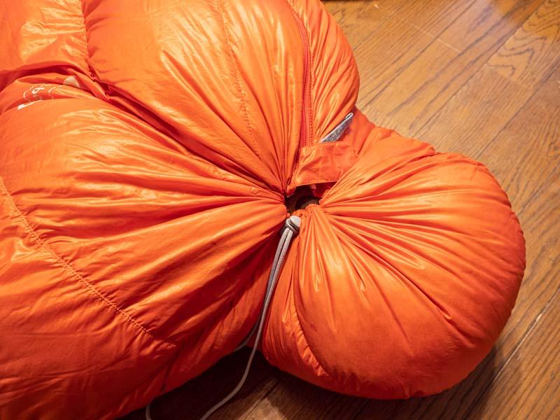 モンベル 寝袋 フード締め込み