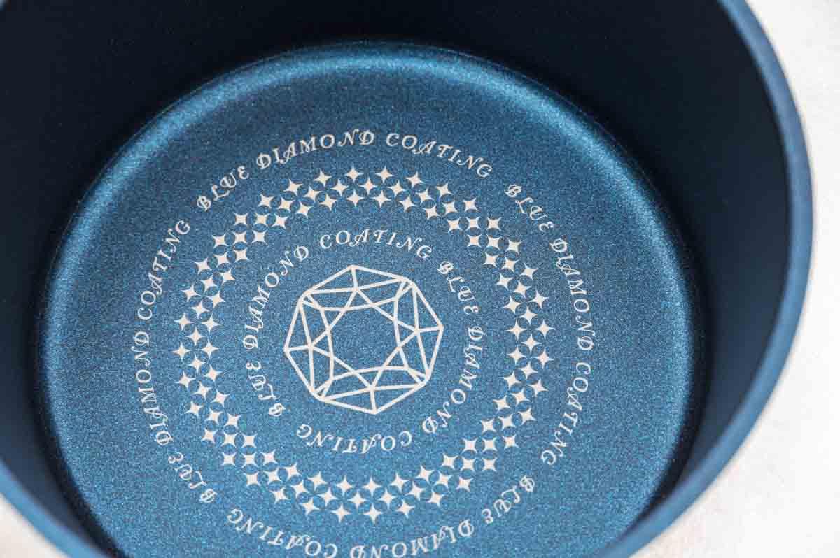 表面加工された鍋