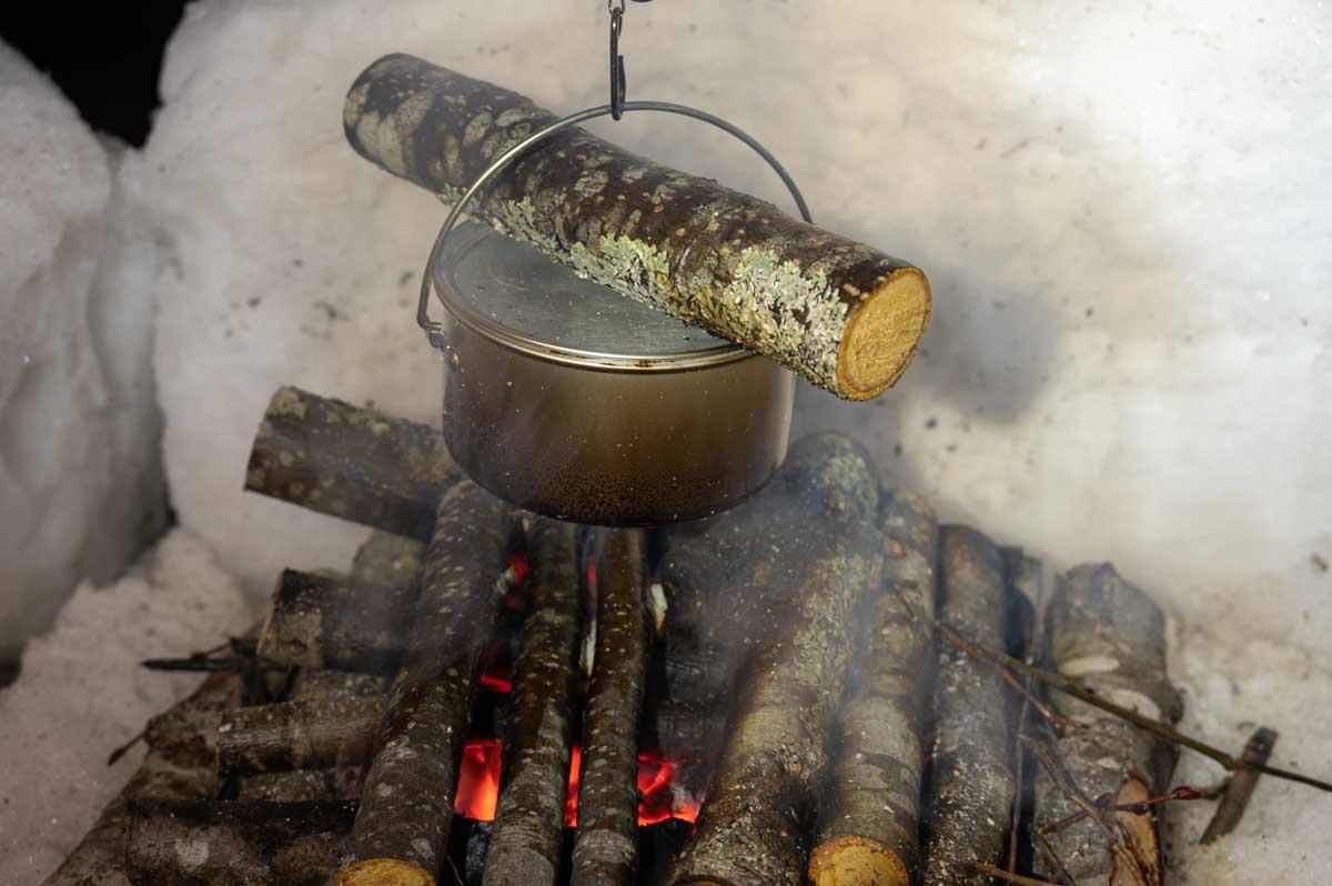 エバニュー バックカントリーアルミポット ECA135で炊飯