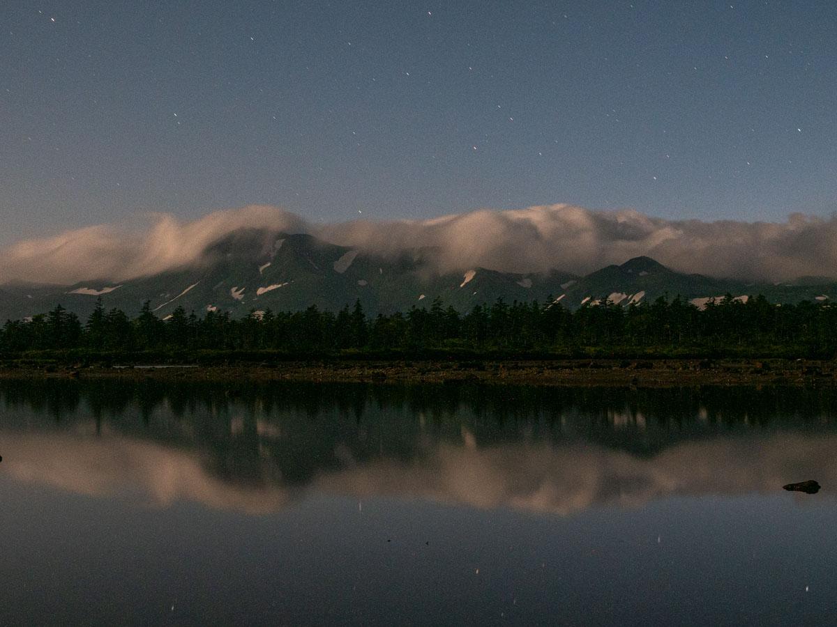山と反射した湖