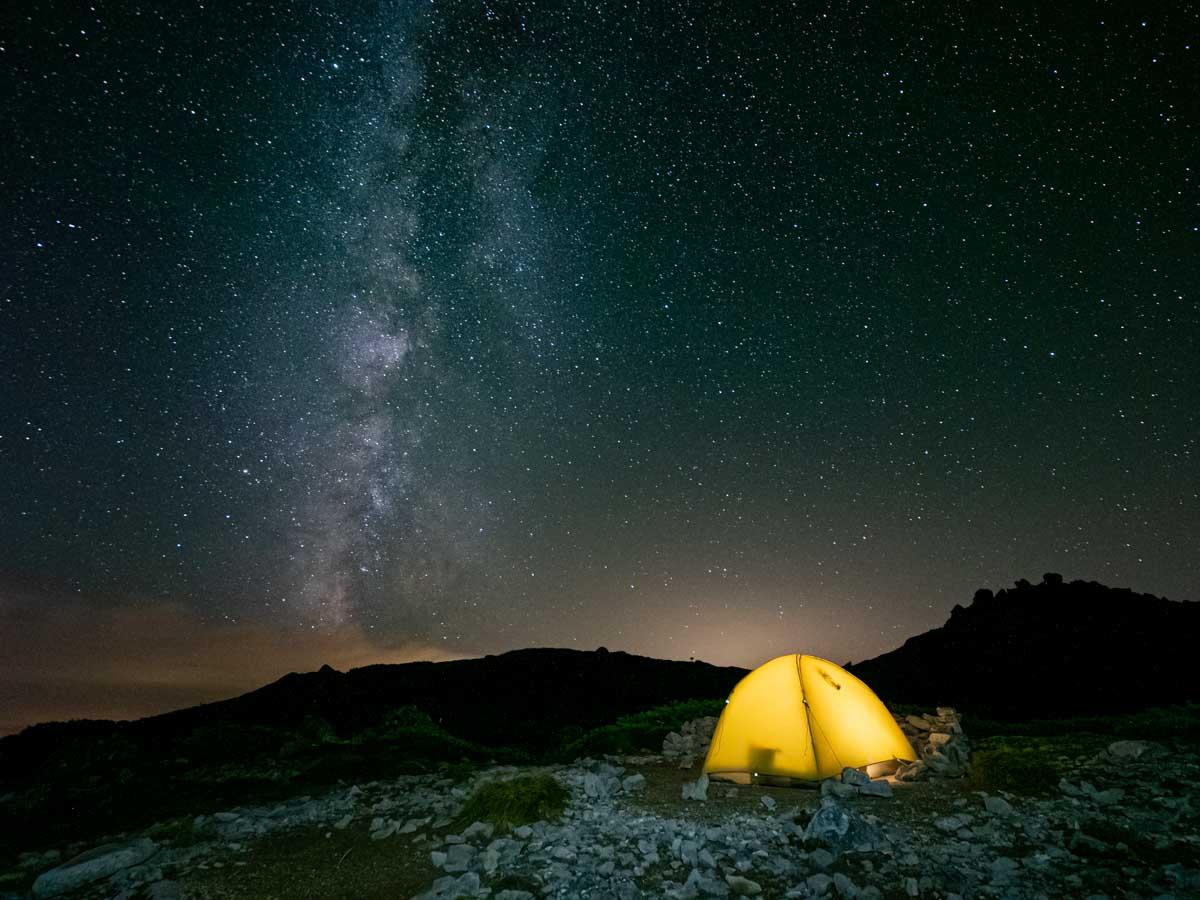 天の川とテント