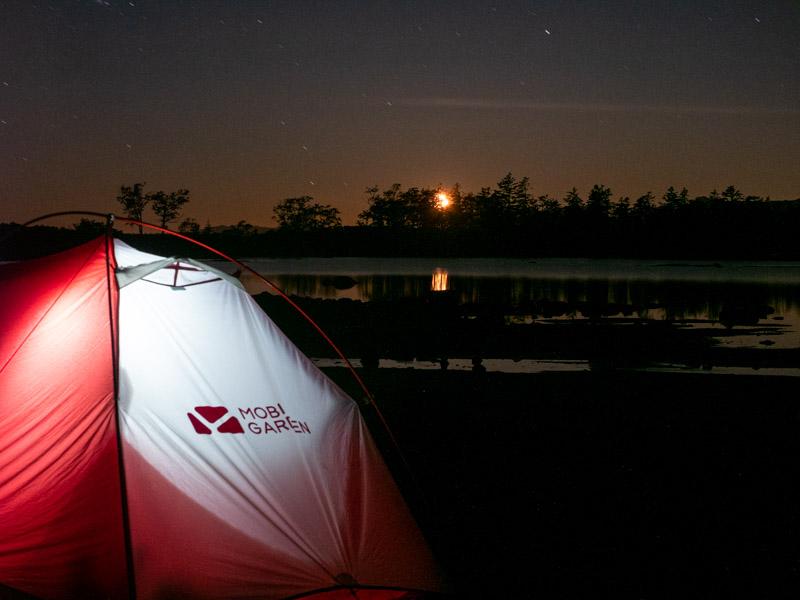 クチャンベツ沼ノ原~トムラウシ テントと月