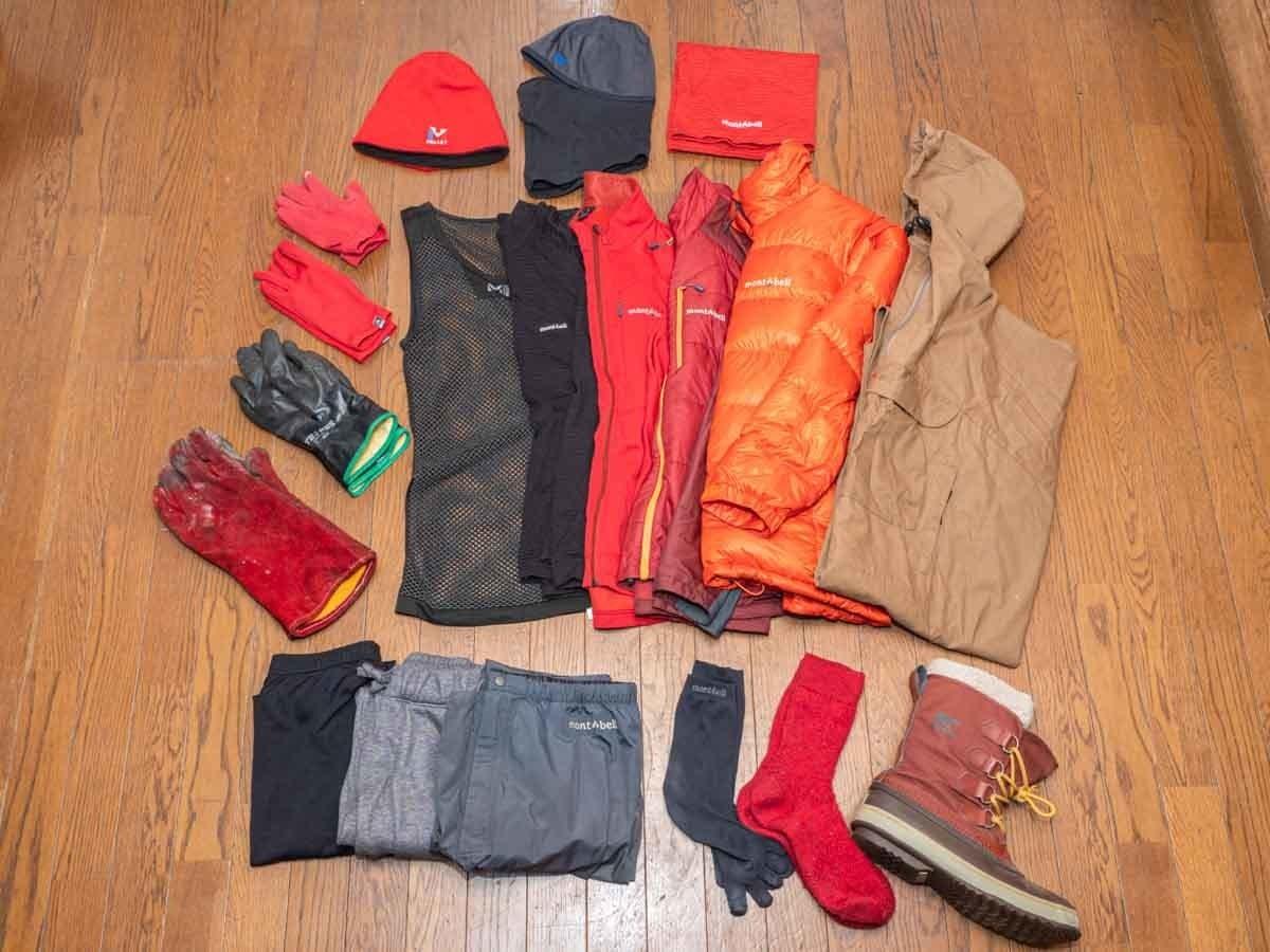 冬キャンプで寝るときの服装