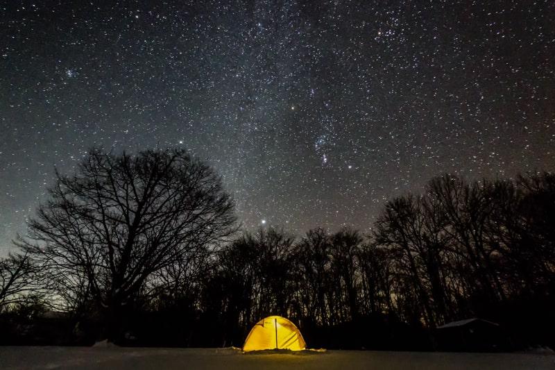 ソロキャンプあるある 星空