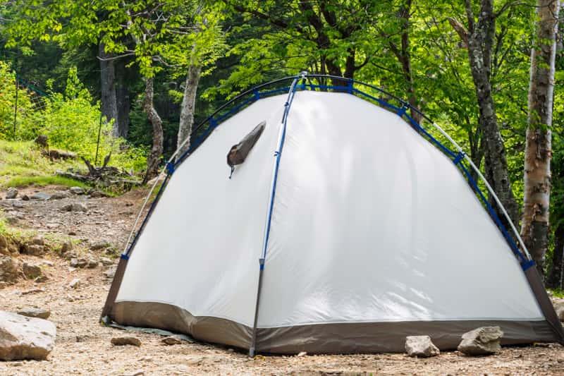 ソロキャンプ テント設営